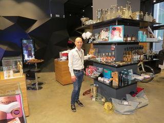 Bernd Burtscher leitet den Shop für den modernen Mann.