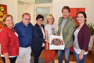 Auf 25 Jahre WOCHE Leibnitz: Maria Schager, Stefan Hartinger, Bernadette Kerschler, Helga Sams, Heinz Pieberl und Eva Heinrich.