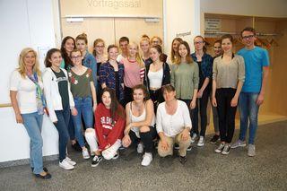Schüler/innen des BG/BRG Biondekgasse mit Mag. Ulrike Patha und Bernadet Putz (NÖGKK)