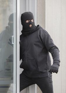 Einbrecher geben meist nach weniger als fünf Minuten auf.