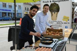 "Stadtmarketing Geschäftsführer  Manuel Bures organisierte das Gratisfrühstück mit dem Cafe ""Shepherd's"""