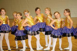 Für die Eleven war der Auftritt vor Eltern, Großeltern und Freunden der Höhepunkt ihres Tanz- und Bewegungskurses.