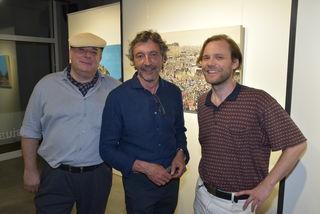 """Neuer Ort für Ausstellungen und Kunsthandel: Gernot Sieber (Mitte) eröffnete sein """"Con Clusius"""" mit Werken von Florian Lang (rechts) und Christian Ruschitzka."""