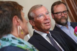 Koalitionsverhandlungen: v.l. Astrid Rössler (Grüne), Wilfried Haslauer (ÖVP) und Josef Schellhorn (Neos).