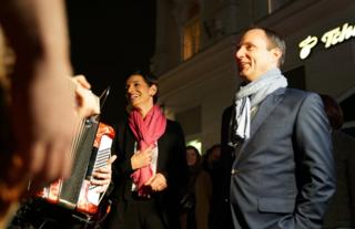 Matthias Strolz und Indra Collini beim Auftakt zum Landtagswahlkampf der NEOS in Mödling