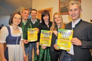 LJ-Leiterin Katharina Fuchs (links) und die Landjugend Eggersdorf freuen sich auf ein Pfingstfest mit vielen Besuchern.