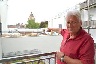 Der Ventilator zur Entlüftung der Nachbars-Tiefgarage ist keine fünf Meter von Wolfgang Komorniks Wohnung entfernt.