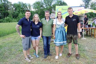 Bgm. Erich Gosch (Bildmitte) mit den Organisatoren Andreas Baumhackl und Katharina Muhr/LJ-Bezirksleitung sowie Christina Moitz und Daniel Füller/LJ-Feldkirchen.