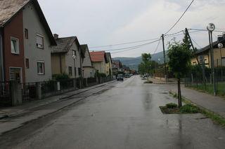 """Hier in der Oskar Helmer Straße in Traiskirchen stahlen die """"Spezialisten"""" ein Auto."""