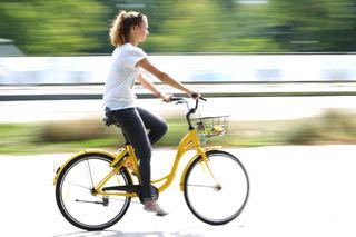 Auf den Sattel, fertig, los: Nicht nur in der Großstadt, auch in ländlichen Regionen sind immer mehr Radfahrer unterwegs.