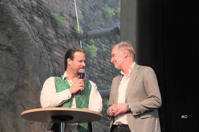 Moderator Markus Renger, Stadtrat Günter Riegler ist der Schirmherr vom Schloßbergfest