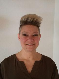 Viktoria Tallian ist als mobile Friseurin im Raum Oberwart unterwegs.