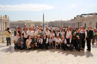 Stephan Varga (1.R.rechts stehend) bei seiner Geburtstagsreise mit dem Stiwoller Kirchenchor in Rom.