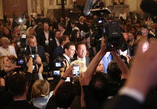 Sebastian Kurz und Arnold Schwarzenegger (re.), der sein Prominenz-Kapital für den Klimaschutz nutzt.