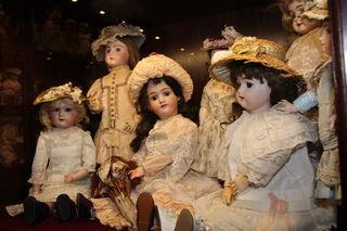 Puppen, Julia Lehner