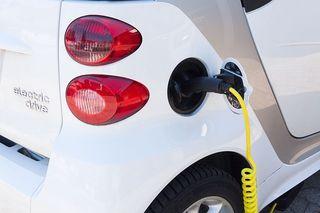Wie viel kostet mich ein E-Auto, wie teuer kommt die Erhaltung und wie umweltschonend ist die Öko-Variante im Vergleich zum Diesel-Modell? Wir klären auf.
