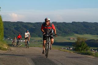 Ob beim Radfahren, Turnen oder Skifahren: auch in seiner Freizeit sucht Matthias Klampfer den Ausgleich im Sport.
