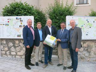 """Ernstbrunns Bürgermeister Horst Gangl wurde zum neuen Obmann der """"Region Leiser Berge"""" gewählt."""
