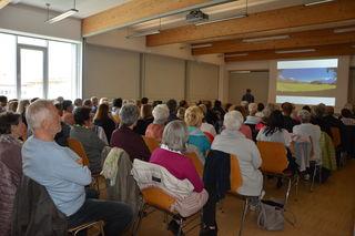 Viele interessierte Zuhörerinnen und Zuhörer informierten sich im Rahmen des Mini-Med-Studiums über rheumatische Erkrankungen.