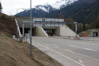 Der Arlbergtunnel ist derzeit aufgrund eines Stromausfalls gesperrt.