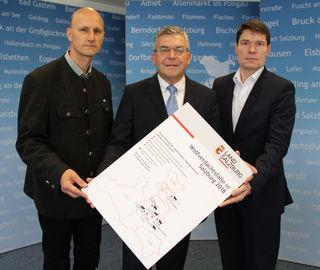 Wolfsbeauftragter des Landes, Hubert Stock, Landesrat Josef Schwaiger und Abteilungsleiter Franz Moser (v.l.).