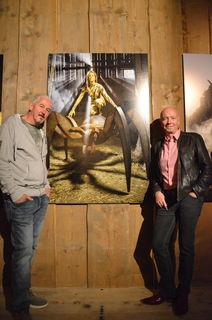 """""""Eva bezwingt das Paradies"""" ein Bildband von Oskar Wurm (rechts) in Zusammenarbeit mit Bernhard Witsch (links)."""
