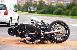 Der verletzte Motorradfahrer musste ins LKH Schärding eingeliefert werden.