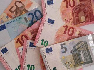 Eine 29-Jährige wollte einem Rumänen helfen. Sie wurde um über 200 Euro betrogen.