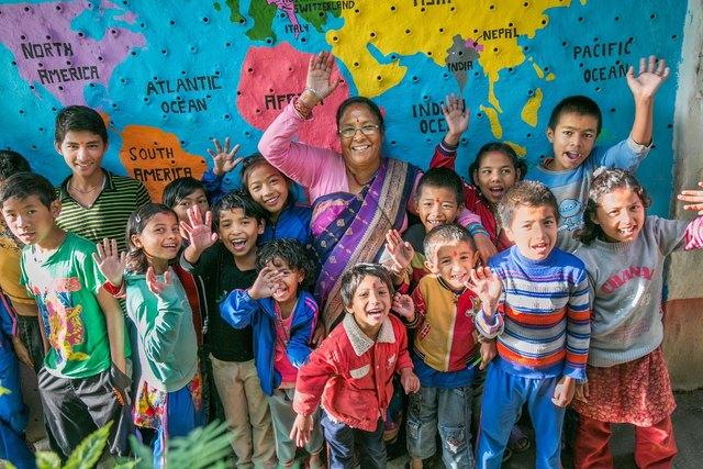 Freude bei den Kids über eine neue Schule