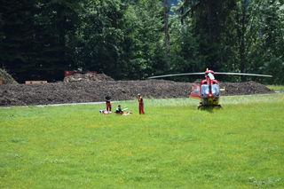 Als ein Griff ausbrach, stürzte der 25-jährige Kletterer rund vierzig Meter in das Seil.