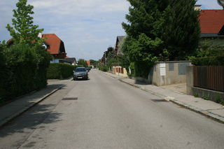 In der Josef-Lichtenecker Gasse schlugen die Einbrecher zu.