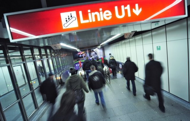 Am 26. Mai wird gefeiert: Vor 40 Jahren fuhr die U-Bahn zum ersten Mal vom Stephansplatz Richtung Karlsplatz ab.