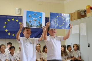 Viel Interessantes über Europa erfuhr das Publikum beim Schulfest der Volksschule Güttenbach