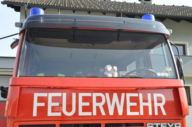 Die Feuerwehren führten eine Belüftung des Stiegenhauses und der Wohnung durch