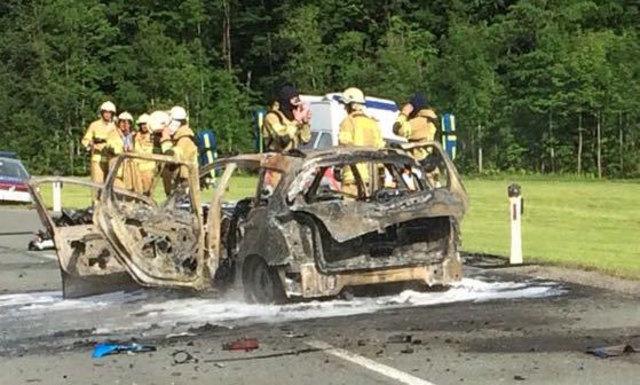 Der Wagen des 34-Jährigen brannte komplett aus.