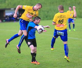 1:0 – drei Zähler entführte der FC Attnang (1. Liga Süd) im Derby in der Nachbargemeinde Regau.