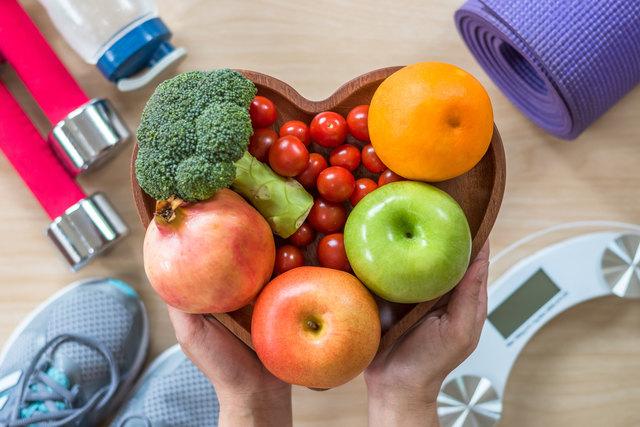 Das Herz freut sich über viel Sport und gesunde Ernährung.