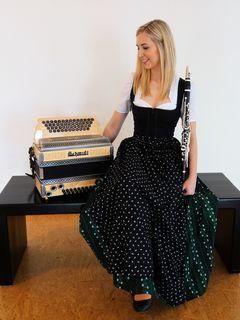 Julia Wölkart lädt am Freitag, dem 1. Juni, zu ihrem großen Abschlusskonzert nach Köflach.