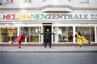 Die ehemalige Kofferzentrale in der Brünner Straße 7 dient als Headquarter für die Superhelden, die mehr Kunst und Kultur nach Floridsdorf bringen wollen.