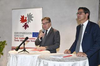 LH Günther Platter (links) betonte nach der Sitzung, dass es die geballte Kraft der Länder und ein gemeinsames Vorgehen brauche, um den steigenden Transitverkehr einen Riegel vorzuschieben.