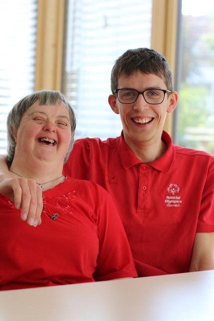 Aloisia Lichtenberger und Sebastian Bader treten bei den Special Olympics in Vöcklabruck an.