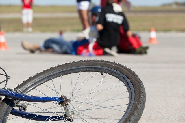 Der Radfahrer wurde unbestimmten Grades verletzt.