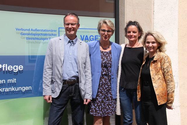 Thomas Weiskopf (Bereichsleiter VAGET Osttirol), GF Gertrud Geisler-Devich, Christl Laßnig und Bgm.in Elisabeth Blanik.