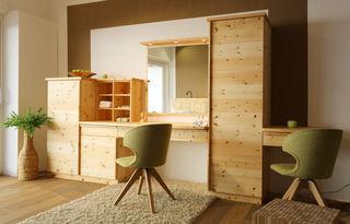 Die Tischlerei Loidhammer bietet auch Lösungen mit Zirbenholz.