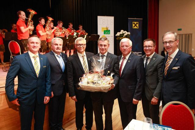 GL Peter Pfob, Franz Lachmair, GL Dir. Franz Stockinger, GD Heinrich Schaller, Obmann Jakob Auer, Klaus Mitterhauser und GL Hannes Breitwieser.