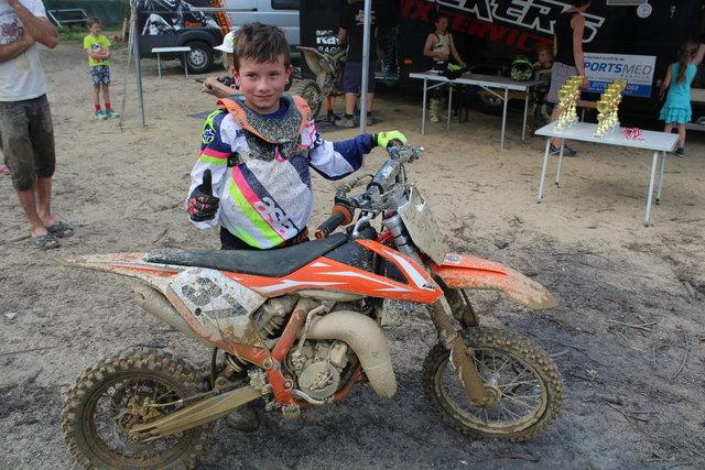 Luka Jankovic beweist Motocross-Talent.