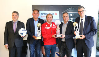 Präsentierten die Finali: F. Stöckl, G. Steinlechner, W. Zimmermann, W. Oebelsberger, K. Winkler.