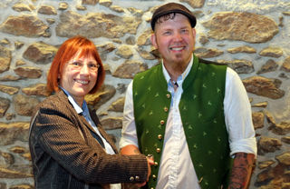 Stadrätin Regina Fechter mit dem zukünftigen Pächter des Oberwirt, Christian Rathner.