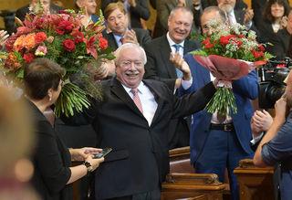 Auf Wiedersehen: Nach Häupls Rede am Donnerstag gab es Standing Ovations im Gemeinderat.