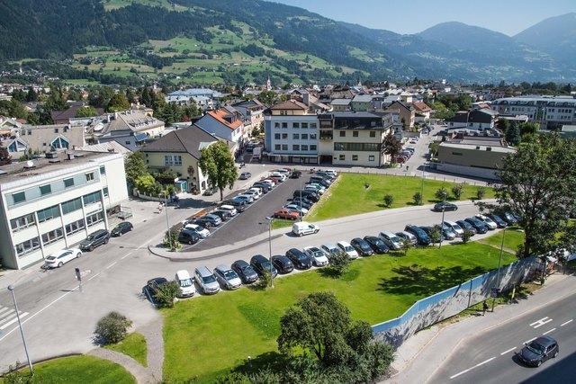 """Ab 4. Juni wird mit mit infrastrukturellen Vorarbeiten für das geplante """"Shopping-Quartier Lienz"""" begonnen."""